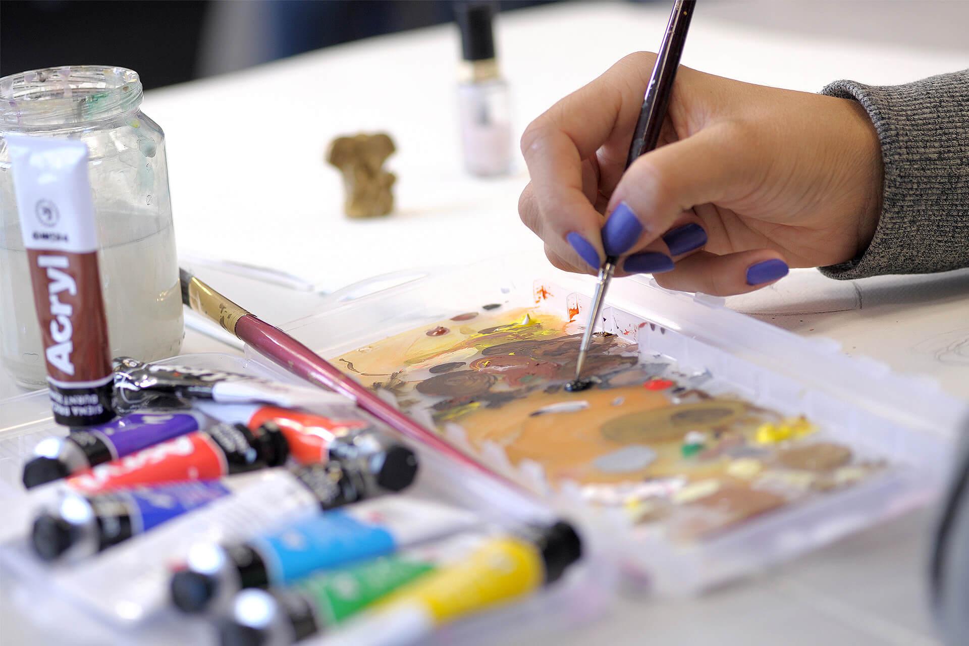 fos-ausbildungsrichtungen-gestaltung-content-impressionen-unterricht-acrylmalerei