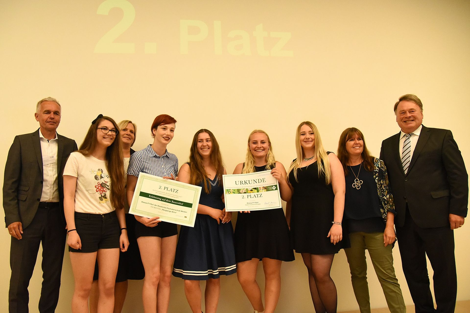 2017 06 26 Fotowettbewerb Tierisch Gut Content Staatsminister Gruppe