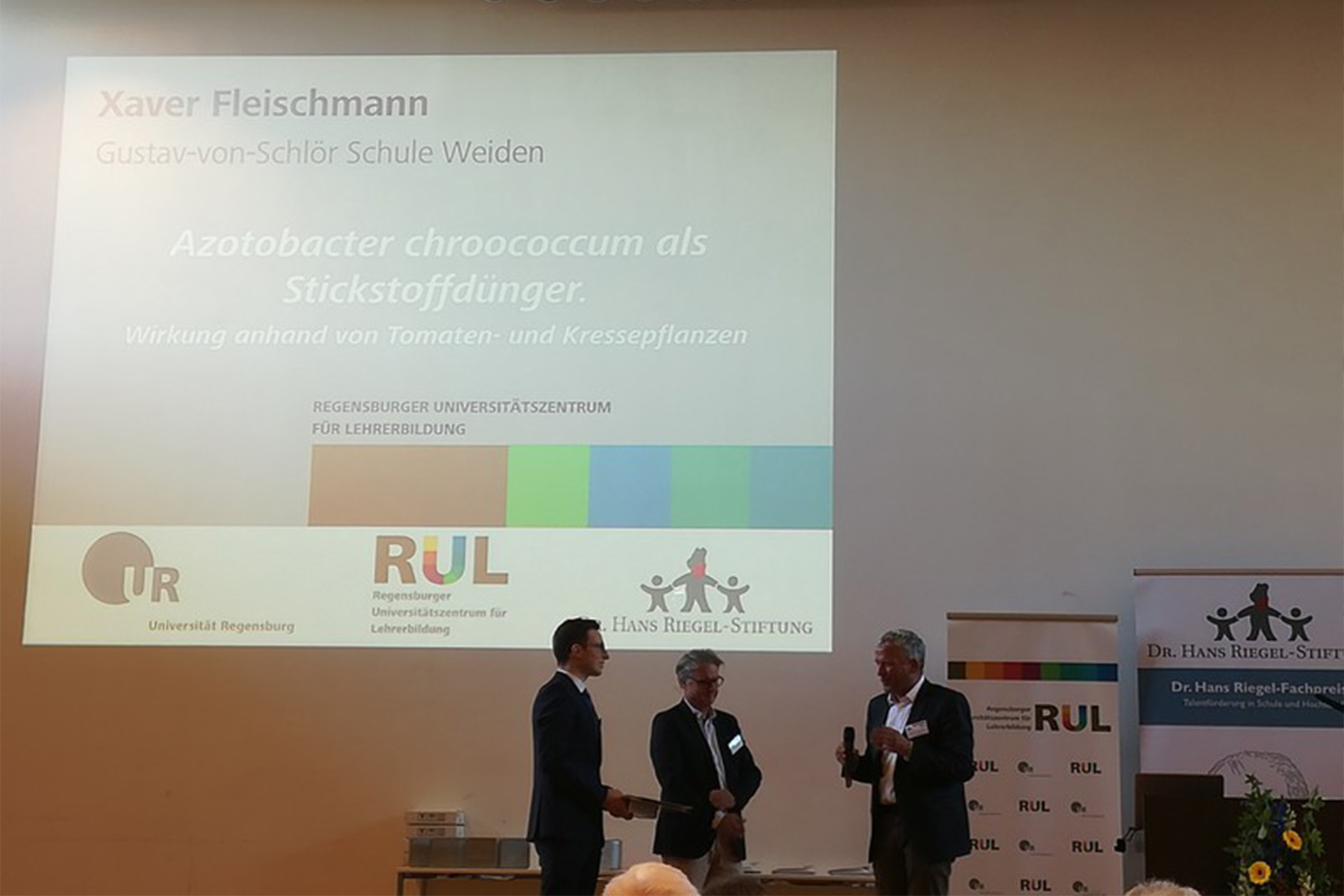 Dr. Hans Riegel-Fachpreis für die FOSBOS Weiden