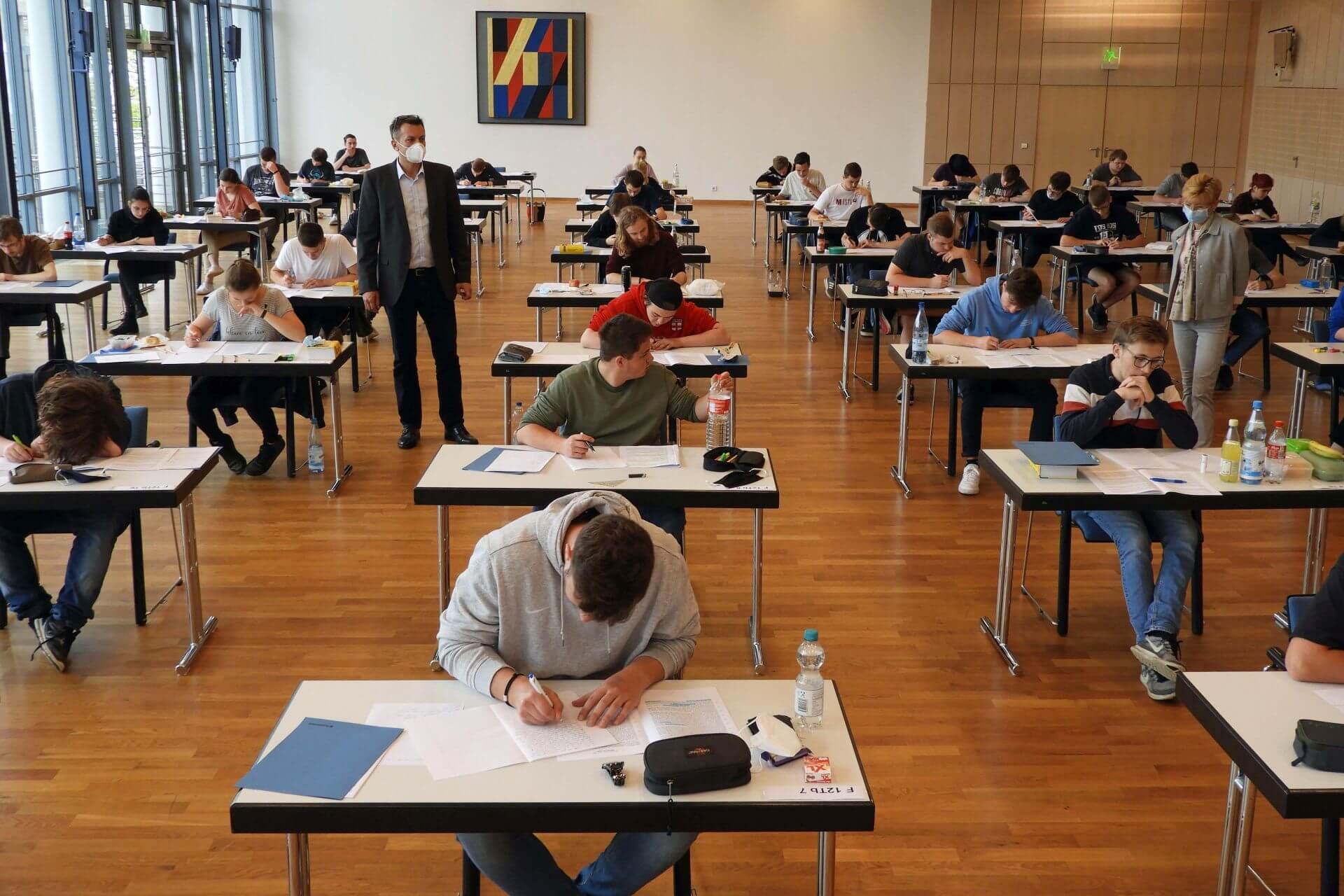 FOSBOS Startet Ins Abitur